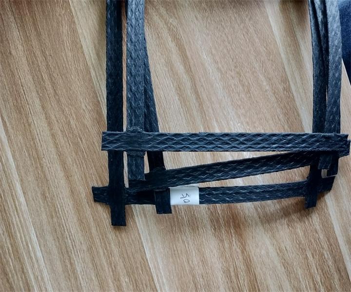 钢塑土工格栅的特点